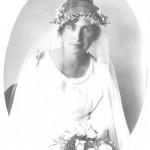 Genom sin tjänst (lärarinna) träffade Ida sin blivande man Per Hällof. De gifte sig 10/8- 1921 och flyttade senare upp till Överkalix.
