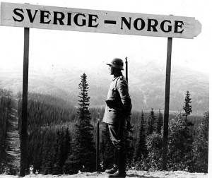 En tysk soldat övervakar gränsen vid Storlien. Fotografiet är hämtat ur Undersåkers landsfiskalsdistrikts arkiv, hemliga handlingar E10:3