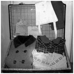 Helmis väska med de saker hon hade med sig när hon for till Sverige